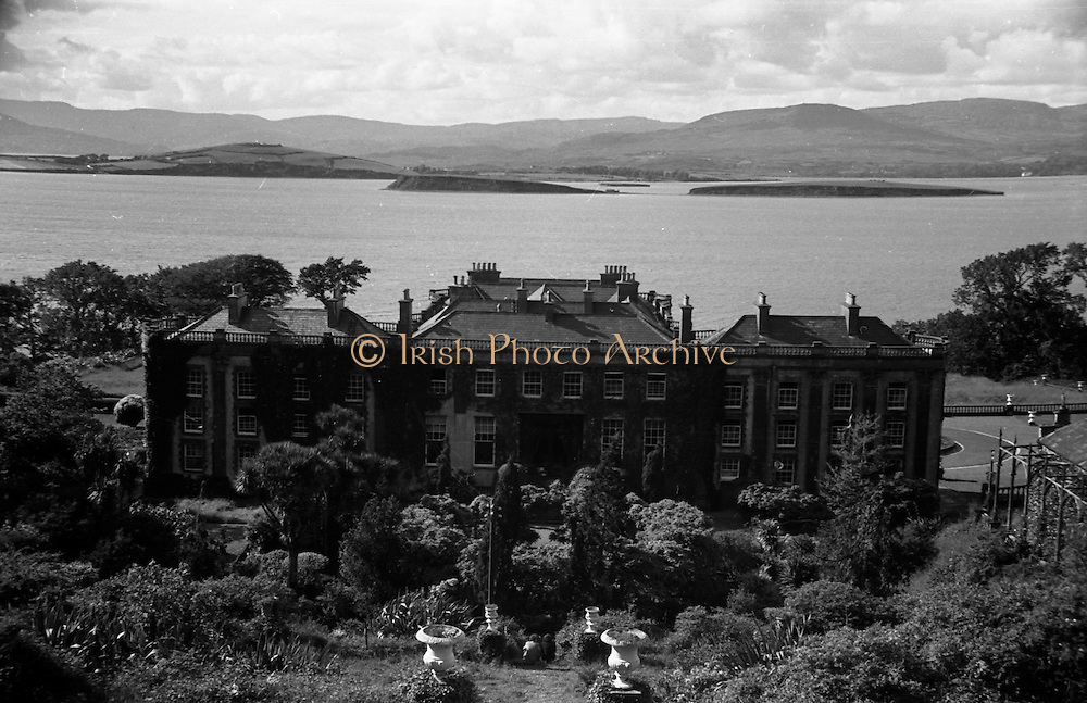 01/02/1957<br /> 02/01/1957<br /> 01 February 1957<br /> Bantry Castle and Bantry Bay, Co Cork.