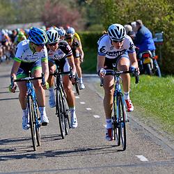 APELDOORN (NED) wielrennen: <br /> Vera Koedooder (Apeldoorn) was sterk in haar thuiswedstrijd de 50e ronde van Gelderland.