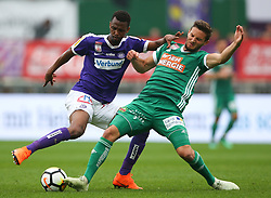 15.04.2018, Ernst Happel Stadion, Wien, AUT, 1. FBL, FK Austria Wien vs SK Rapid Wien, 30. Runde, im Bild Ibrahim Alhassan Abdullahi (FK Austria Wien) und Maximilian Hofmann (SK Rapid Wien) // during Austrian Football Bundesliga Match, 30th Round, between FK Austria Vienna and SK Rapid Wien at the Ernst Happel Stadion, Vienna, Austria on 2018/04/15. EXPA Pictures © 2018, PhotoCredit: EXPA/ Thomas Haumer