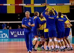 02-10-2013 VOLLEYBAL: WK KWALIFICATIE MANNEN ROMENIE - ZWEDEN: ALMERE<br /> Een blije Johan Isacsson na de 3-0 winst op Roemenie<br /> ©2013-FotoHoogendoorn.nl