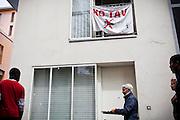 Pranzo No Tav presso le palazzine occupate dell'Ex-Moi. Torino, 28-04-'13.