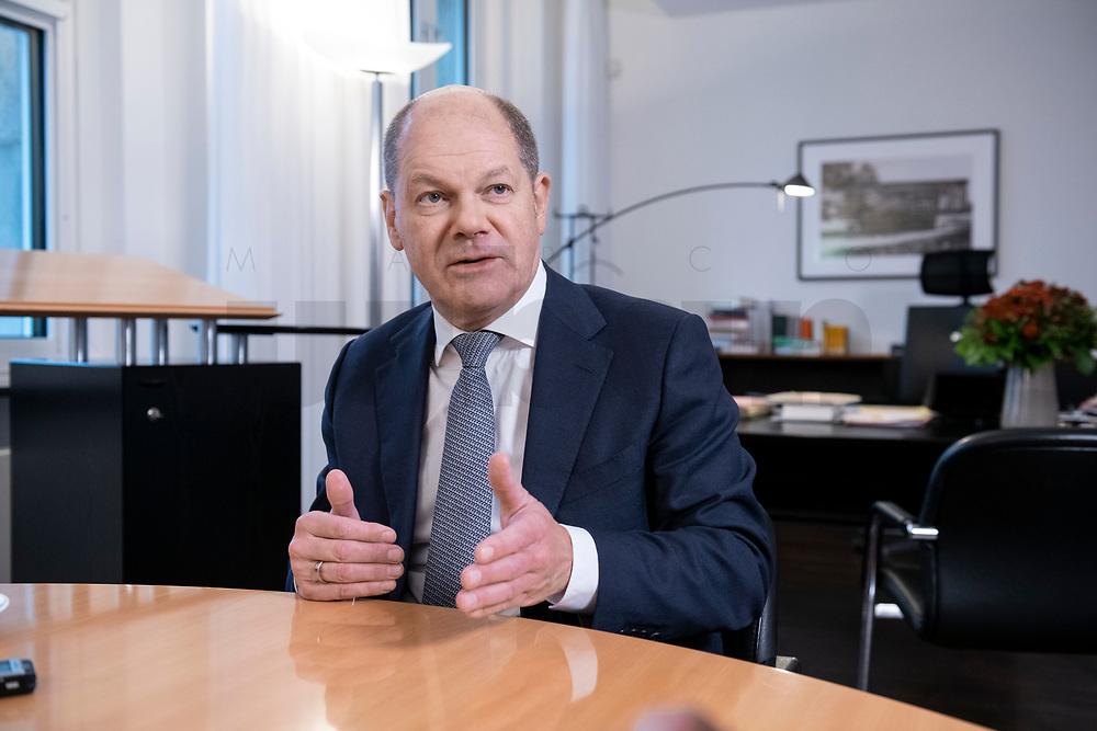21 NOV 2018, BERLIN/GERMANY:<br /> Olaf Scholz, SPD, Bundesfinanzminister, waehrend einem Interview, in seinem Buero, Bundesministerium der Finanzen<br /> IMAGE: 20181121-01-015<br /> KEYWORDS: Büro