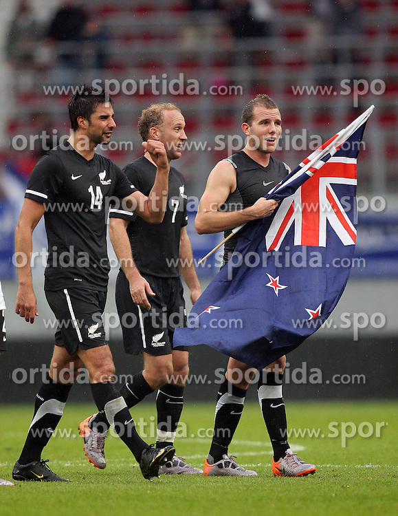 29.05.2010, Hypo Group Arena, Klagenfurt, AUT, FIFA Worldcup Vorbereitung, Neuseeland vs Serbien im Bild Rory Fallon, Simon Elliot & Jeremy Brockie feiern den 1 zu 0 Sieg über die Serben, EXPA Pictures © 2010, PhotoCredit: EXPA/ IPS/ Mark Atkins / SPORTIDA PHOTO AGENCY