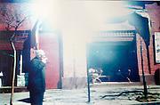 El destacado escritor chileno nominado al Premio Nacional de Literatura 2014, Germán Marin en una calle de Santiago fotografiado casualmente desde un auto en movimiento. Santiago de Chile, 2003 aprox. (©Alvaro de la Fuente/Triple)