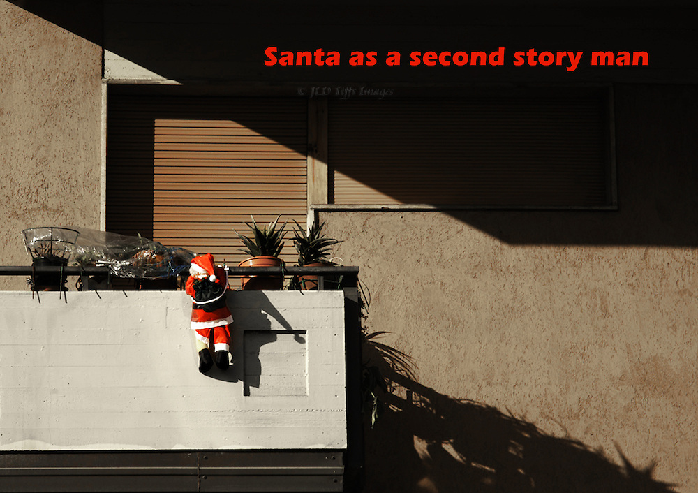 In Florence, Santa Claus typically climbs up to the balcony.