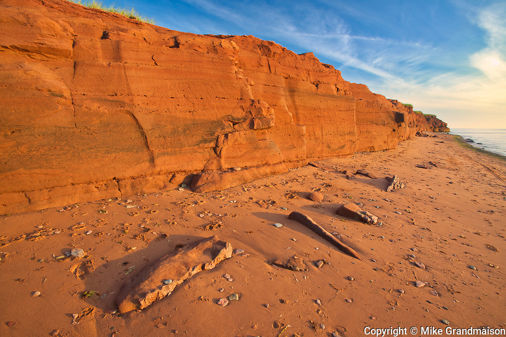 Red sand and bluffs along the Northumberland Strait<br />Campbelton<br />Prince Edward Island<br />Canada