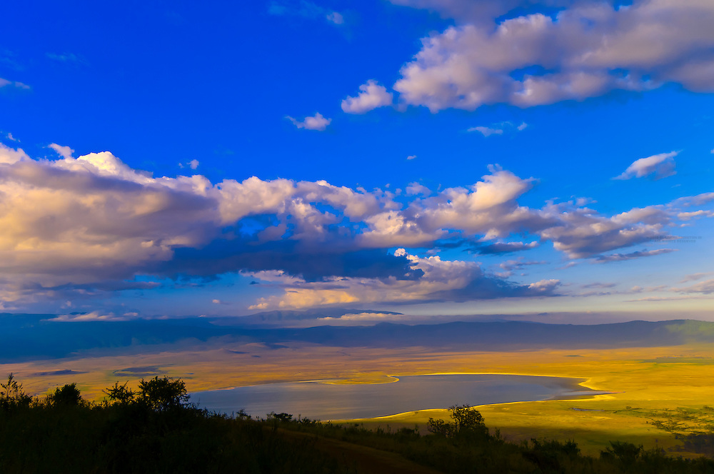 Looking down into the Ngorongoro Crater (Lake Magadi in middle), Ngorongoro Conservation Area, Tanzania