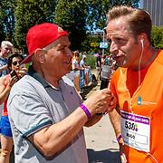 NLD/Amsterdam/20180701 - Evers staat op Run 2018, Hugo de Jonge in gesprek met Evert ten Napel