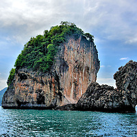 Camel Rock in Nui Bay at Phi Phi Don, Thailand<br />