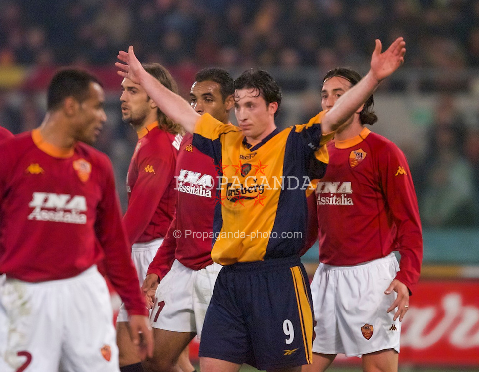 ROME, ITALY - Thursday, February 15, 2001: Liverpool's Robbie Fowler against AS Roma during the UEFA Cup 4th Round 1st Leg match at the Stadio Olimpico. (Pic by David Rawcliffe/Propaganda)