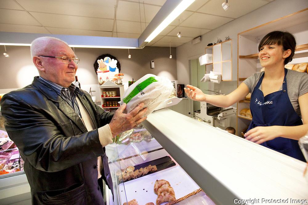 366316-buurtwinkel t'velooke reportage-Charles Dams en Lieselotte Nietvelt