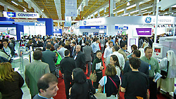 Movimento de público na HOSPITALAR 2010 - 17ª Feira Internacional de Produtos, Equipamentos, Serviços e Tecnologia para Hospitais, Laboratórios, Clínicas e Consultórios, que acontece de 25 a 28 de maio de 2010, no Expo Center Norte, em São Paulo. FOTO: Jefferson Bernardes/Preview.com
