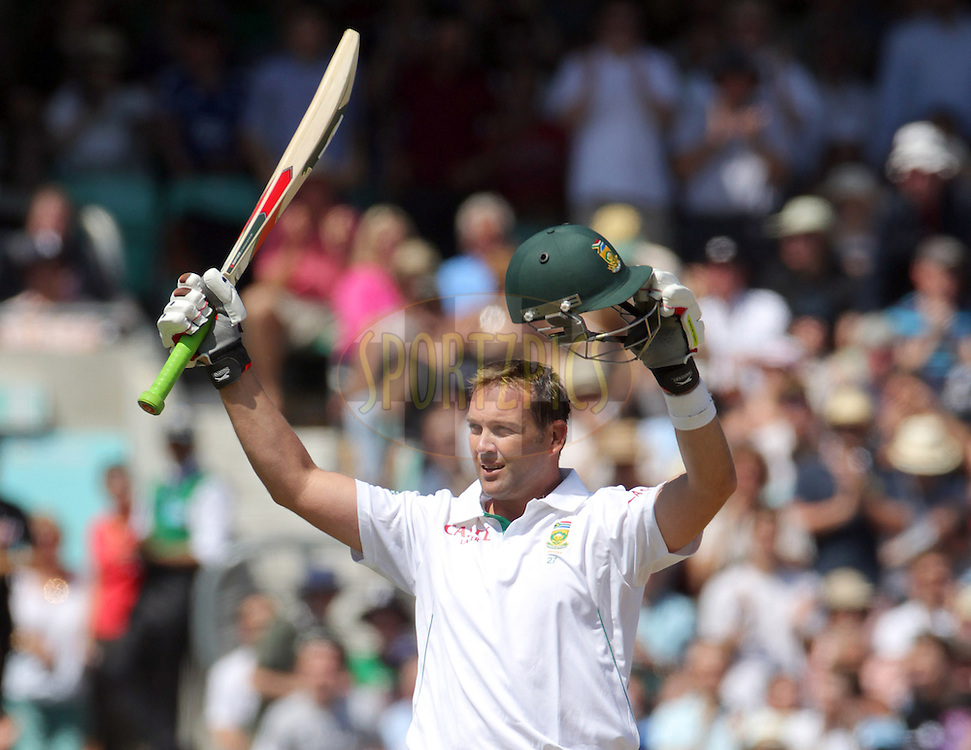 © Andrew Fosker / Seconds Left Images 2012 - South Africa's Jacques Kallis celebrates his 100, hundred, century   England v South Africa - 1st Investec Test Match -  Day  4 - The Oval  - London - 22/07/2012