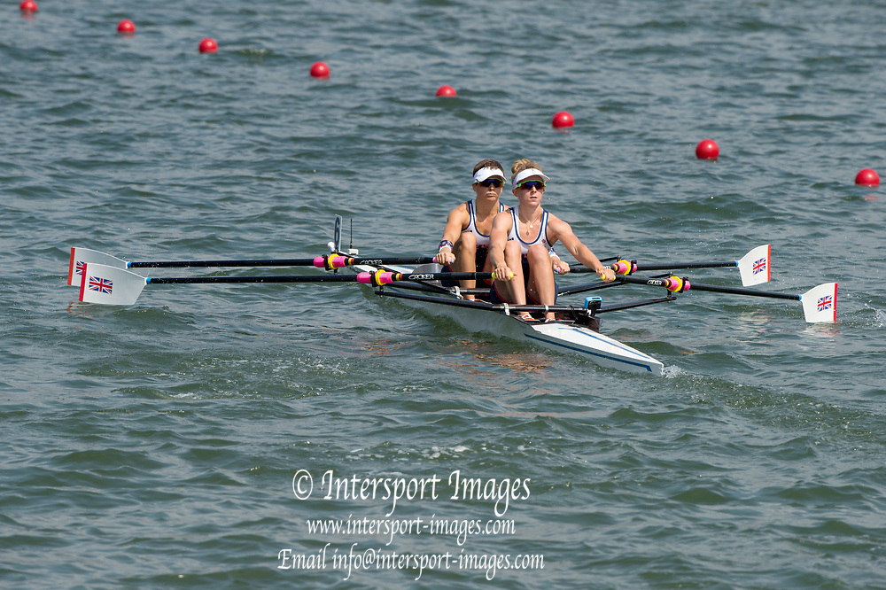 Rio de Janeiro. BRAZIL.  GBR LW2X. Bow. Charlotte TAYLOR and Kat COPELAND, 2016 Olympic Rowing Regatta. Lagoa Stadium,<br /> Copacabana,  &ldquo;Olympic Summer Games&rdquo;<br /> Rodrigo de Freitas Lagoon, Lagoa. Local Time 11:20:07  Tuesday  09/08/2016 <br /> [Mandatory Credit; Peter SPURRIER/Intersport Images]