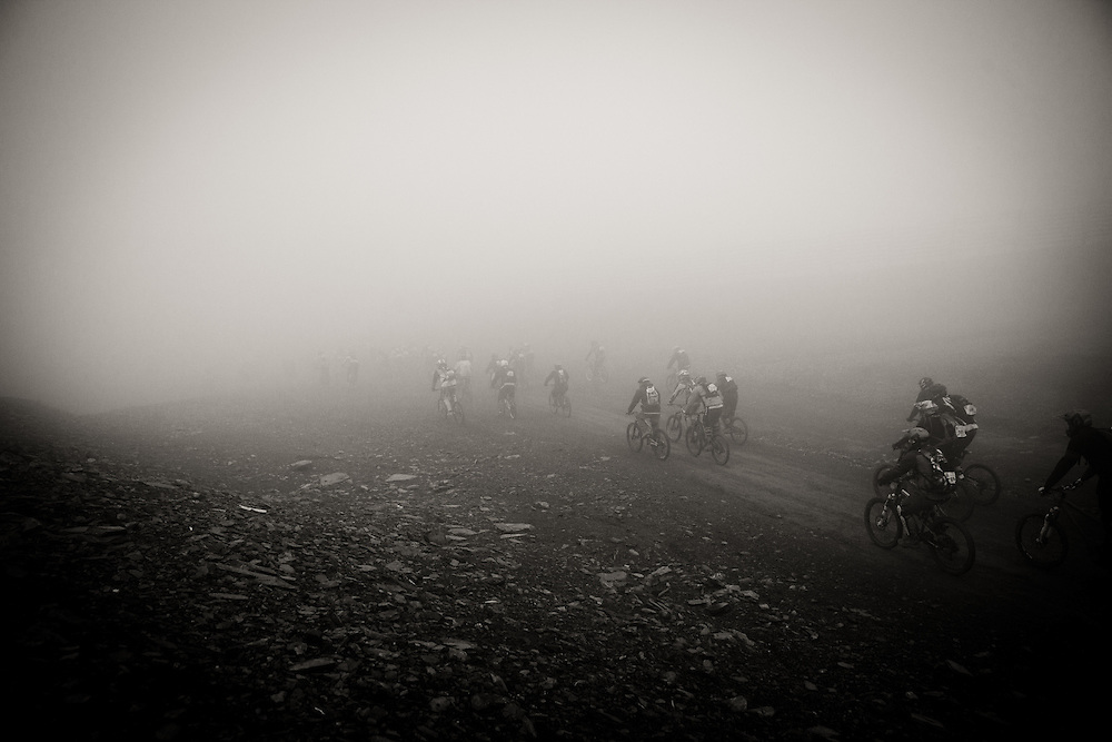 With 500 riders all starting together they cram into the first gully just beyond the start line. The high winds have brought in cloud cover which decrease visibility to about 20 metres.