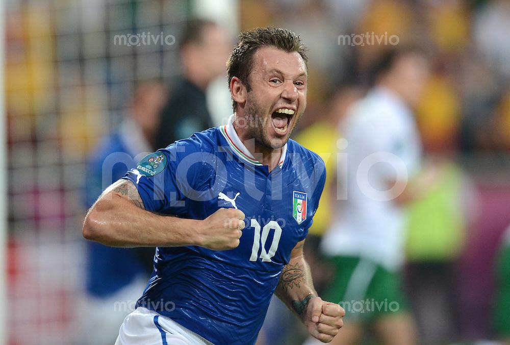 FUSSBALL  EUROPAMEISTERSCHAFT 2012   VORRUNDE Italien - Irland                       18.06.2012 Torjubel nach dem 1:0: Antonio Cassano (Italien)
