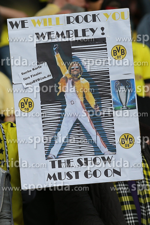 04.05.2013, Signal Iduna Park, Dortmund, GER, 1. FBL, Borussia Dortmund vs FC Bayern Muenchen, 32. Runde, im Bild Plakat 'We will Rock Wembley' mit Portrait von Juergen KLOPP (Trainer Borussia Dortmund - BVB) // during the German Bundesliga 32th round match between Borussia Dortmund and FC Bayern Munich at the Signal Iduna Park, Dortmund, Germany on 2013/05/04. EXPA Pictures © 2013, PhotoCredit: EXPA/ Eibner/ Gerry Schmit..***** ATTENTION - OUT OF GER *****