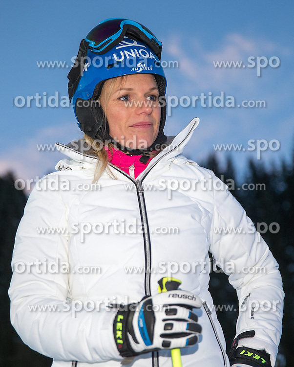 13.01.2015, Hermann Maier Weltcupstrecke, Flachau, AUT, FIS Weltcup Ski Alpin, Flachau, Slalom, Damen, Kursbesichtigung, im Bild Marlies Schild (AUT) // Austrian former ski racer Marlies Schild during the course inspection for the ladie's Slalom of the FIS Ski Alpine World Cup at the Hermann Maier Weltcupstrecke in Flachau, Austria on 2015/01/13. EXPA Pictures © 2015, PhotoCredit: EXPA/ JOHANN GRODER