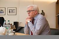 15 JAN 2013, BERLIN/GERMANY:<br /> Frank-Walter Steinmeier, SPD Fraktionsvorsitzender, waehrend einem Interview, in seinem Buero, Jakob-Kaiser-Haus, Deutscher Budnestag<br /> IMAGE: 20130115-01-005<br /> KEYWORDS: B&uuml;ro