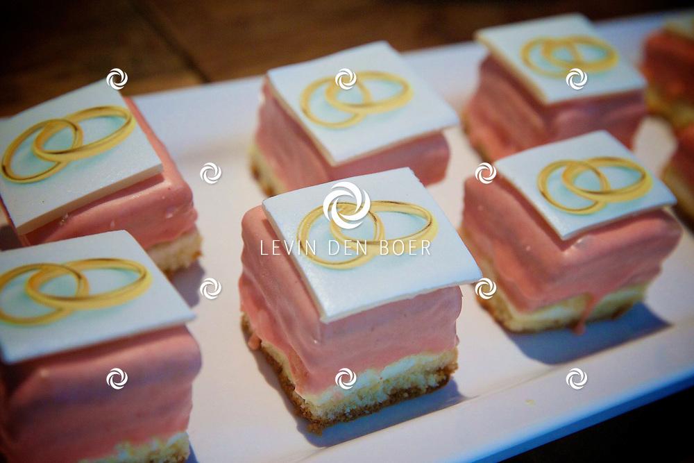 AMSTERDAM - Vandaag is de persdag geweest van het nieuwe SBS6 reallife soap 'Patty's Big Fat Ibiza Wedding'. Met hier op de foto trouwtaartjes. FOTO LEVIN DEN BOER - PERSFOTO.NU
