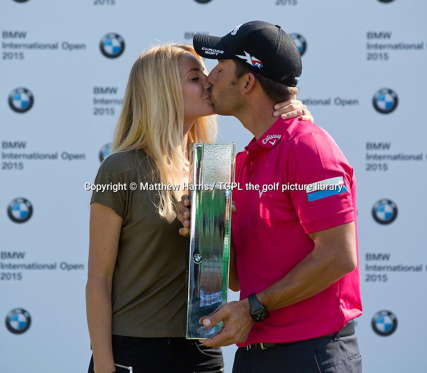 Pablo LARRAZABAL (ESP)  celebrates his win with girlfriend Gala ALTEN (ESP) during fourth round BMW International Open 2015,Golfclub Munchen Eichenied,Munich,Germany