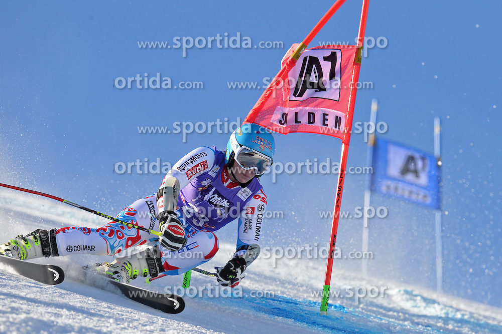 26.10.2013, Rettembach Ferner, Soelden, AUT, FIS Ski Alpin, FIS Weltcup, Ski Alpin, 1. Durchgang, im Bild Anne-Sophie Barthet from France // Anne-Sophie Barthet from France during 1st run of ladies Giant Slalom of the FIS Ski Alpine Worldcup opening at the Rettenbachferner in Soelden, Austria on 2012/10/26 Rettembach Ferner in Soelden, Austria on 2013/10/26. EXPA Pictures © 2013, PhotoCredit: EXPA/ Mitchell Gunn<br /> <br /> *****ATTENTION - OUT of GBR*****
