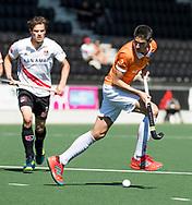 AMSTELVEEN  - Hockey -  1e wedstrijd halve finale Play Offs dames.  Amsterdam-Bloemendaal (5-5), Bl'daal wint na shoot outs. Xavi Lleonart Blanco (Bldaal)    COPYRIGHT KOEN SUYK