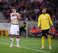 Fussball  1. Bundesliga  Saison 2018/2019  4. Spieltag  VfB Stuttgart - Fortuna Duesseldorf         21.09.2018 Christian Gentner (li, VfB Stuttgart) und Torwart Ron-Robert Zieler (VfB Stuttgart)  DFL regulations prohibit any use of photographs as image sequences and/or quasi-video.