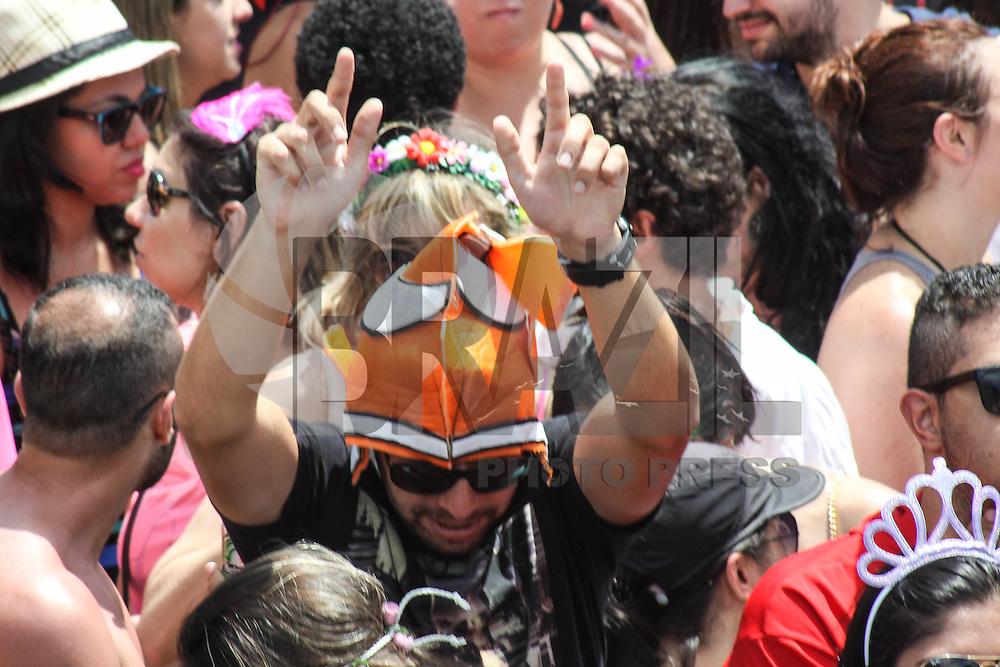 SÃO PAULO,SP, 31.01.2016 - CARNAVAL-SP - Foliões se divertem no bloco Monobloco na região do Parque do Ibirapuera, zona sul de São Paulo, neste domingo, 31. (Foto: Marcos Moraes/Brazil Photo Press/Folhapress)