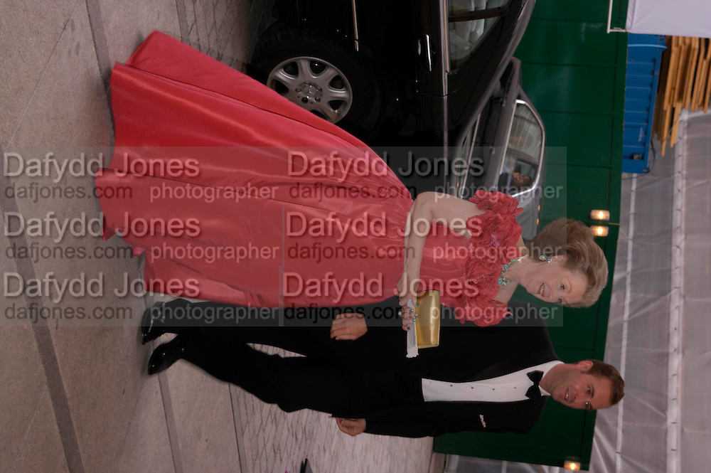 Raine Spencer and David Baschetti. Fundraising Ball at the Royal academy. Piccadilly. 20 June 2005. ONE TIME USE ONLY - DO NOT ARCHIVE  © Copyright Photograph by Dafydd Jones 66 Stockwell Park Rd. London SW9 0DA Tel 020 7733 0108 www.dafjones.com
