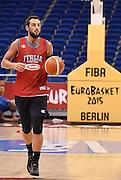 DESCRIZIONE : Berlino EuroBasket 2015 - allenamento<br /> GIOCATORE : Marco Belinelli<br /> CATEGORIA : allenamento<br /> SQUADRA : Italia Italy<br /> EVENTO : EuroBasket 2015<br /> GARA : Berlino EuroBasket 2015 - allenamento<br /> DATA : 03/09/2015<br /> SPORT : Pallacanestro<br /> AUTORE : Agenzia Ciamillo-Castoria/R.Morgano<br /> Galleria : FIP Nazionali 2015<br /> Fotonotizia : Berlino EuroBasket 2015 - allenamento