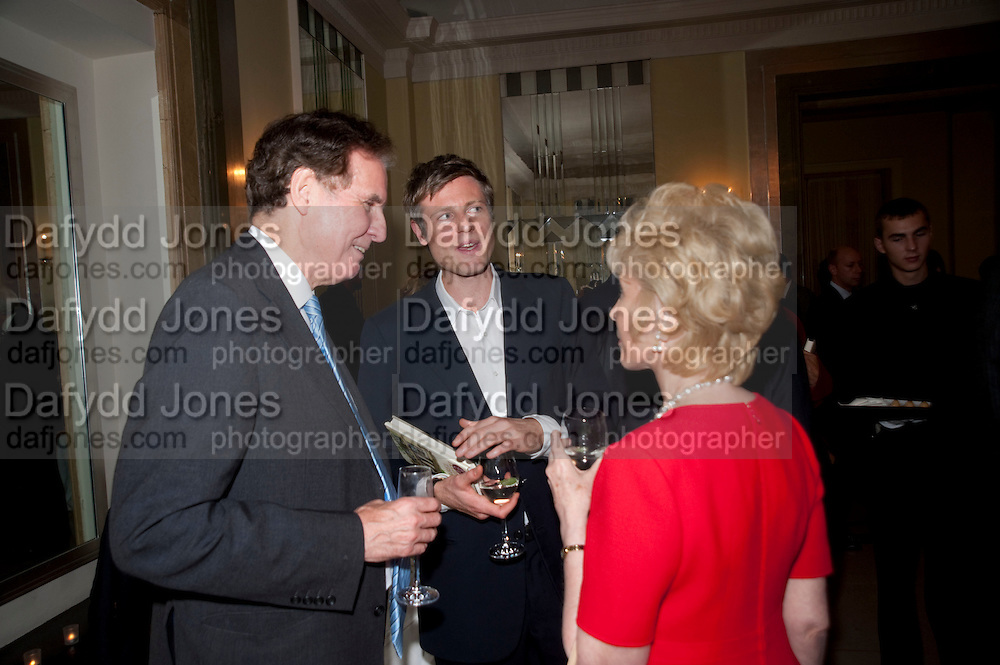JONATHAN AITKEN; ZAC GOLDSMITH; ELIZABETH AITKEN, Book launch of Lady Annabel Goldsmith's third book, No Invitation Required. Claridges's. London. 11 November 2009