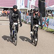 NLD/Biddinghuizen//20170305 - De Hollandse 100 - Stichting Lymph & Co 2017, Patrick Kluivert en Prins Bernhard op de racefiets