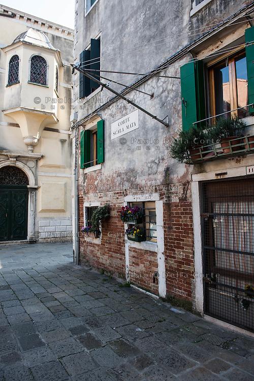 Venezia - Ghetto ebraico. Corte della Scala Mata.