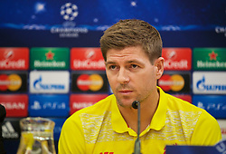 21.10.2014, Anfild, Liverpool, ESP, UEFA CL, FC Liverpool vs Real Madrid, Gruppe B, Pressekonferenz FC Liverpool, im Bild Liverpool's captain Steven Gerrard // during a press conference of Liverpool FC ahead of the UEFA Champions League Group B match between Liverpool FC and Real Madrid CF at Anfild in Liverpool, Great Britain on 2014/10/21. EXPA Pictures © 2014, PhotoCredit: EXPA/ Propagandaphoto/ David Rawcliffe<br /> <br /> *****ATTENTION - OUT of ENG, GBR*****