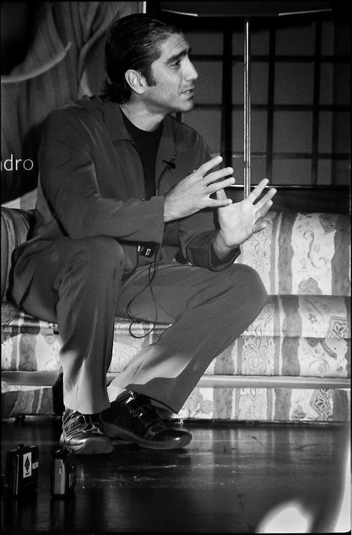 PORTRAITS / RETRATOS<br /> <br /> Alejandro Fern&aacute;ndez<br /> Cantante Mexicano<br /> Caracas - Venezuela 2000<br /> <br /> (Copyright &copy; Aaron Sosa