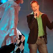NLD/Hilversum/20070316 - 1e Live uitzending SBS So You Wannabe a Popstar, Eric Hulzebosch optreden