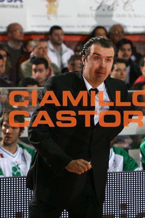 DESCRIZIONE : Caserta Lega A1 2008-09 Eldo Caserta Montepaschi Siena<br /> GIOCATORE : Simone Pianigiani<br /> SQUADRA : Montepaschi Siena<br /> EVENTO : Campionato Lega A1 2008-2009 <br /> GARA : Eldo Caserta Montepaschi Siena<br /> DATA : 28/12/2008 <br /> CATEGORIA : ritratto<br /> SPORT : Pallacanestro <br /> AUTORE : Agenzia Ciamillo-Castoria/E.Castoria