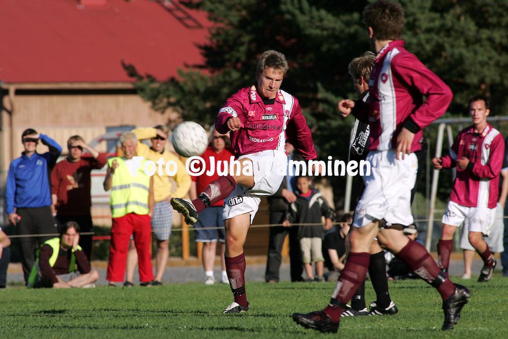 28.06.2004, Musan kentt?, Pori..Suomen Cup, 6. kierros.Musan Salama v FC Lahti.Ville Taulo - FC Lahti.©Juha Tamminen.....ARK:k