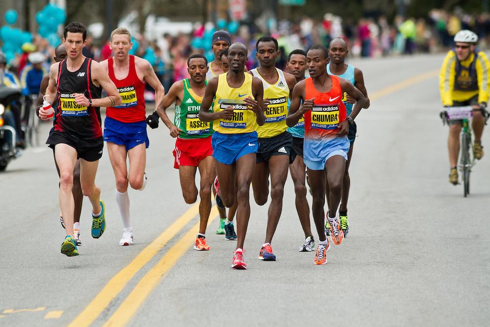 2013 Boston Marathon: Hartmann and Watson rejoin lead group of elite men near mid-point at Wellesley College