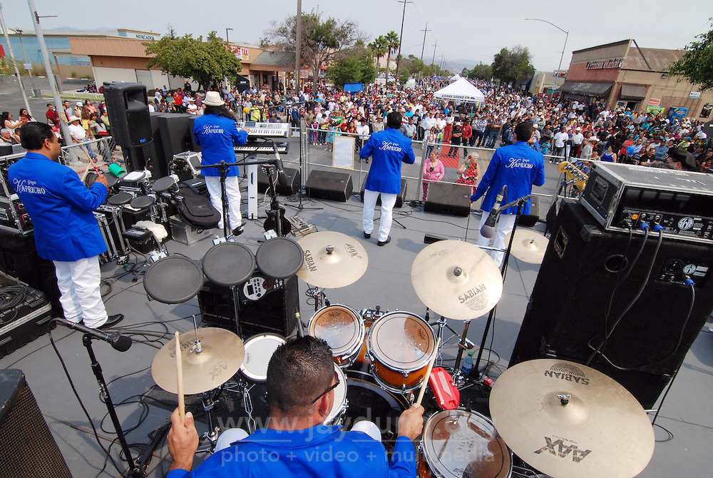 Banda Grupo Kapricho rocks the the traditional El Grito Festival in Salinas on Sunday.