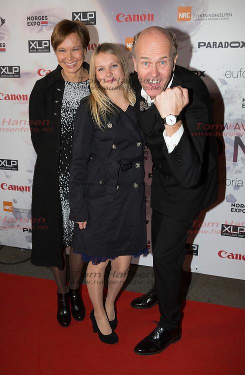 OSLO, 20131016:  Premiere p&aring; filmed &quot;Tusen ganger god natt&quot; av Erik Poppe. Erik Poppe med kona Kirsten og datteren Anna Leah <br /> FOTO;  TOM HANSEN