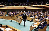 Nederland. Den Haag, 18 februari 2010. <br /> <br /> Spoeddebat in de Tweede Kamer over de ontstane crisissituatie binnen het kabinet over Uruzgan, daags voor de val van het vierde kabinet Balkenende. Een dag later valt het kabinet. kabinetscrisis, vak kabinet, Balkenende IV, Balkenende Vier, politiek, coalitie<br />  Foto Martijn Beekman