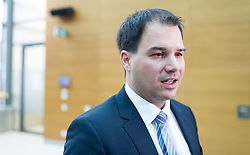 15.03.2016, Finanzministerium, Wien, AUT, Bundesregierung, Verhandlungen zum Finanzausgleich, im Bild Steiermarks LH- Stellvertreter Michael Schickhofer (SPÖ) // during negotiations according to redistribution of income in Vienna, Austria on 2016/03/15, EXPA Pictures © 2016, PhotoCredit: EXPA/ Michael Gruber