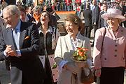 Koninginnedag 2007 in het vestingsstadje Woudrichem / Queensday 2007 in the small village Woudrichem.<br /> <br /> Op de foto / On the Photo; Prof.mr. Pieter van Vollenhoven en  Prinses Margriet
