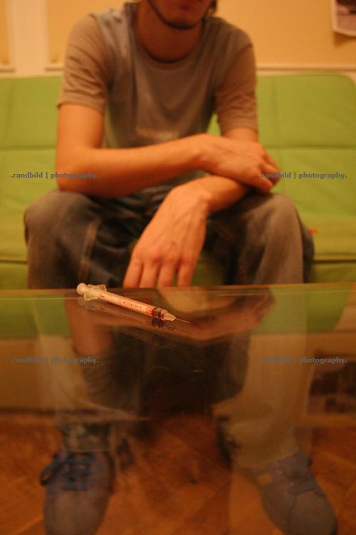 A drug addicted young georgian boy is injecting the drug Subutex in his vein. tousends of georgians have heavy drug problems. Subutex, an opioid, is cheap and easy to get.- Ein jungendlicher Georgier spritzt sich Drogen in seine Vene. Tausende Georgier haben ein Drogenproblem. Subutex, ein Opioid, ist sehr leicht und billigt zu bekommen.