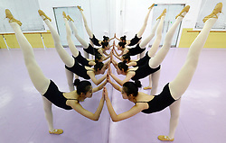 November 22, 2018 - Handan, China - Students take some time to relax practicing ballet dancing in Handan, north China's Hebei Province as they prepare for their upcoming art examination. (Credit Image: © SIPA Asia via ZUMA Wire)