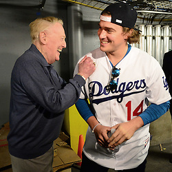 Hall of Fame broadcaster Vin Scully shares a laugh with Kik&eacute; Hernandez during the fourth annual offseason FanFest on Saturday, Jan. 30, 2016 in Los Angeles. <br /> (Photo by Keith Birmingham/ Pasadena Star-News)