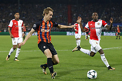 (L-R), Bohdan Butko of FC Shakhtar Donesk, Ridgeciano Haps of Feyenoord during the UEFA Champions League group F match between Feyenoord Rotterdam and Shakhtar Donetsk at the Kuip on October 17, 2017 in Rotterdam, The Netherlands