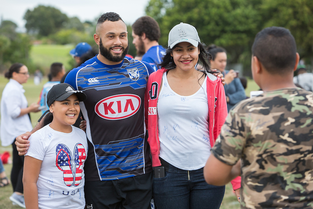 NRL Nines Club Day. Teams from the NRL Nines tournament interact with fans at Pakuranga, Auckland. 2 February 2017.  Photo:Gareth Cooke/Subzero Images